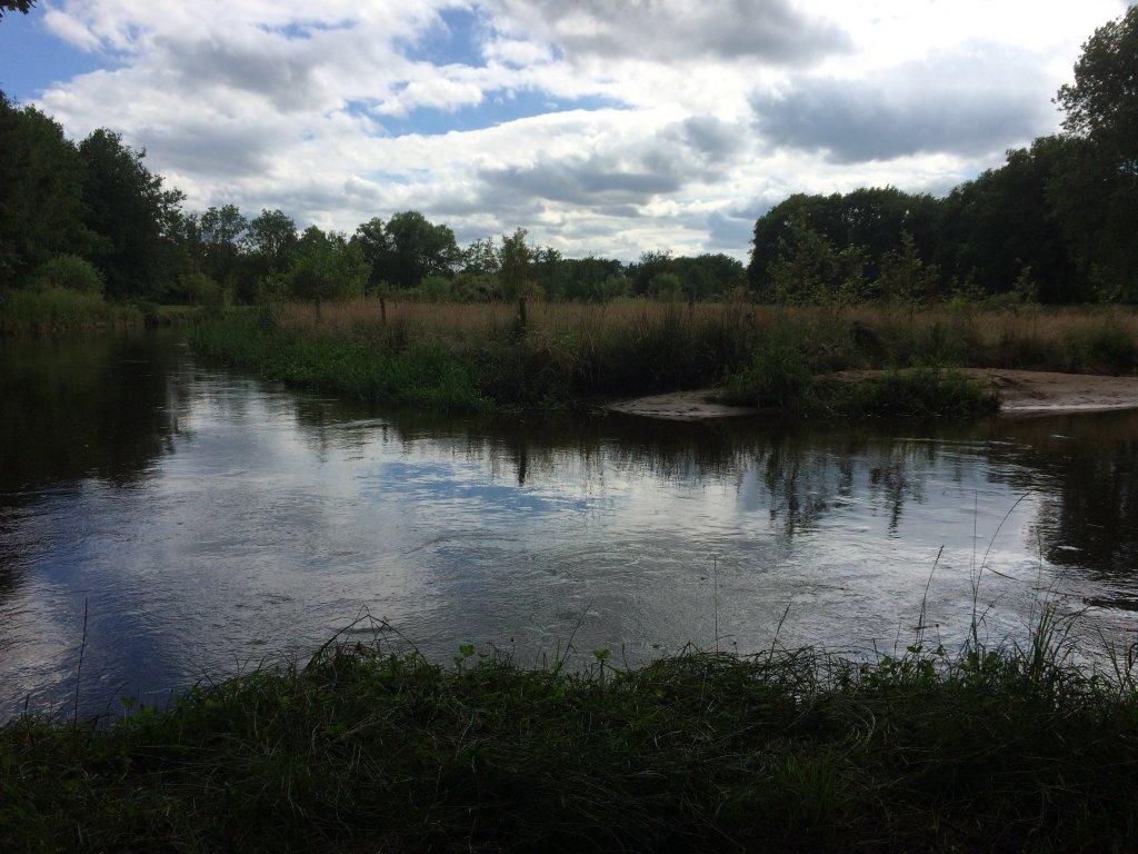 De Domme, ein kleiner Fluss in dem sie mit dem Kanu herrlich fahren können